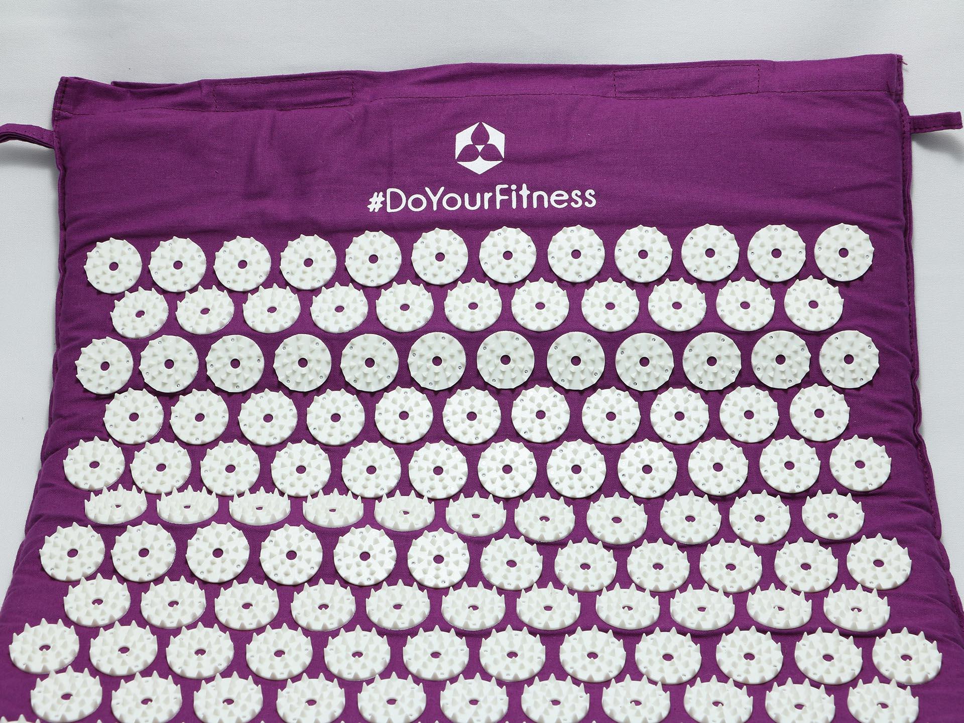 DoYourFitness-Akupressurmatte-mit-Logo
