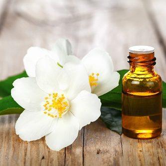 natürliches Hausmittel - Jasminblütenöl